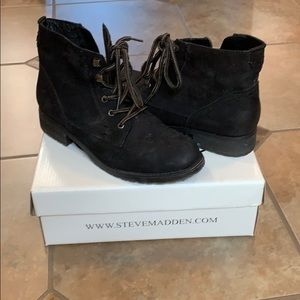 Steve Madden black suede lace up boots